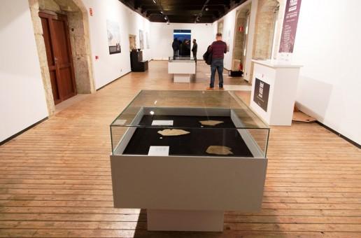Inaugurada la exposición 'Fortificaciones, poblados y pizarras: La Raya en los inicios del medievo'